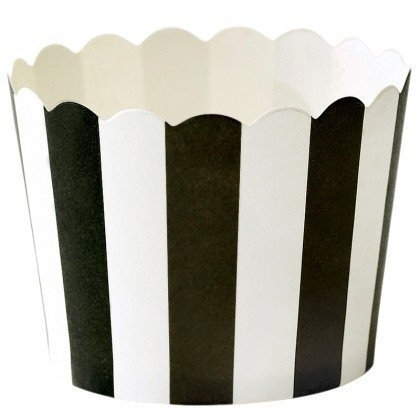 Baking cups black and white scalloped edge
