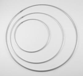 Metalen ring 10cm