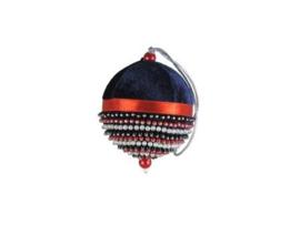 Kerstbal van blauw fluweel met kraaltjes