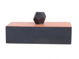 rechthoekig doosje van mahonie zwart met beige deksel