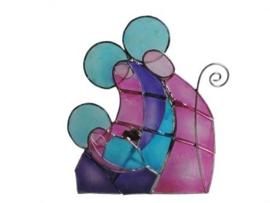 Vrolijke kerststal in blauw, paars en roze