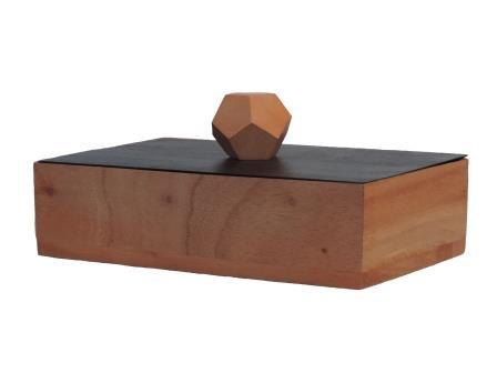 doosje van mahonie rechthoekig beige met zwart deksel