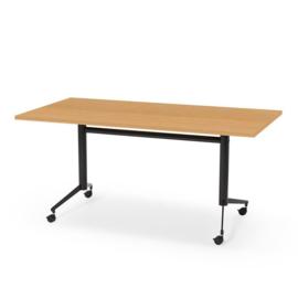 Verrijdbare en kantelbare tafels