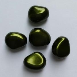 Parel steenvormig donkergroen - ca.15mm