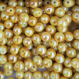 Warmgeel gemarmerde kraal shine - ca. 6mm