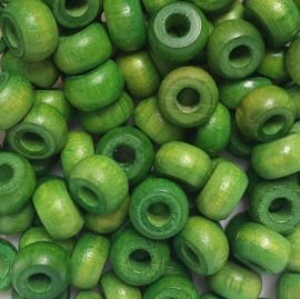 Houten kraal groen - ca. 6x10mm