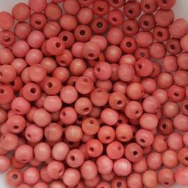 Houten kraaltje koraalroze- ca. 6mm