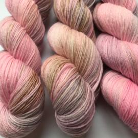 Sock yarn whisper