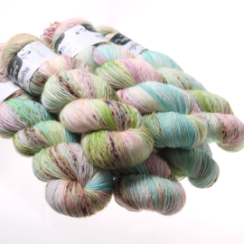 Sock yarn pistanchio