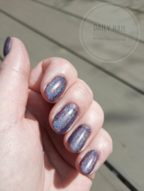 Daily Nail - Holographic