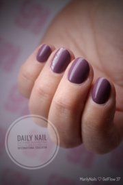 Daily Nail - Gelflow 37