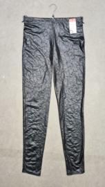 7003 Legging Magna leather look Craquele zwart t/m 58