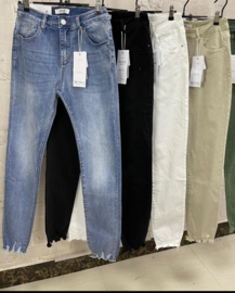 6105 Jeans Monday rafel zwart  t/m 48