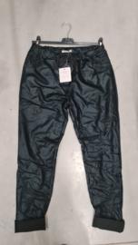 6357 Broek Day met satin leather look black  t/m 52