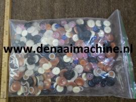 Knopen in een zak, 500 stuks, diverse kleuren