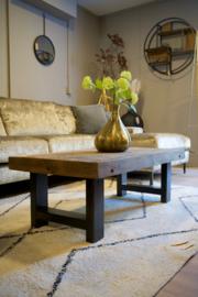 Stoere salontafel oud hout