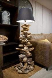 Vloerlamp van drijfhout