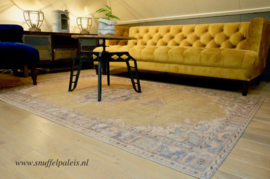 Carpet Blush Kleed Yellow