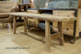 Stoere bank oud hout