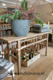 Stoere sidetable oud hout