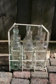 Flessenrekje 6-vaks met 6 middel grote witte flessen (art.nr. 169)