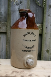 Kruik, wijnkruik Perry Bros Dowlish Wake Ilminster somerset cider (art.nr. 177)