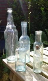Set van 5 flessen zonder tekst. Kleur: wit-groenig!