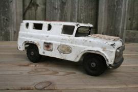 Oude grote speelgoedauto ziekenwagen made in SAN japan 57,7