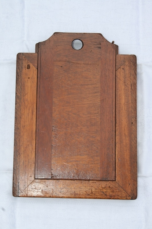 Oude houten fotolijst voor 1 foto. (Wooden negative frame)