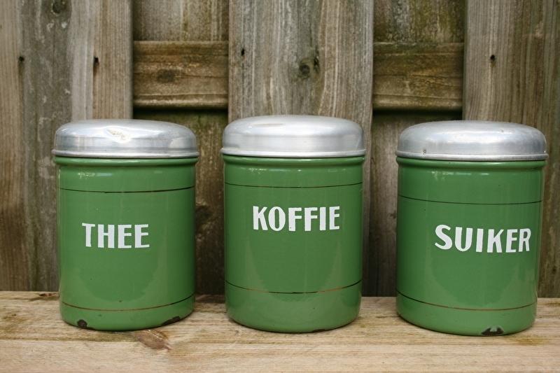 Ongekend Emaille koffie thee en suiker bussen, reseda met een biesje AT-08