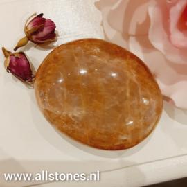 Roze  Maansteen knuffelsteen, 5,4 x 4cm