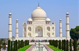 De Taj Mahal, versierd met edelstenen.