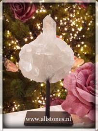 Bergkristal op standaard, 15 x 7 cm