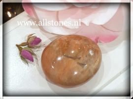 Roze  Maansteen knuffelsteen, 6 x 5 cm