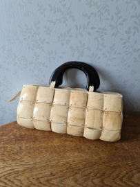 Oud handgemaakt handtasje kokosnoot