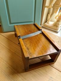 Oud houten koolrasp