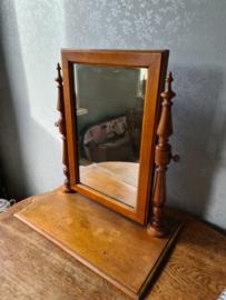 Oude brocante houten tafel spiegel