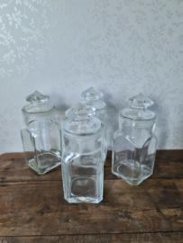 Oude glazen snoeppot stolppot
