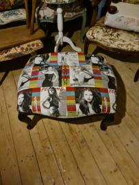 Voetenbank footstool pop art