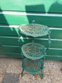 Oud groen barok gietijzeren etagere tafeltje