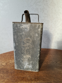 Oud doorleefd olie blik ESSO 1949