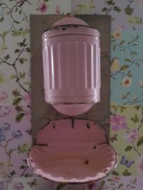 Antieke roze emaille waterreservoir met gouden bies