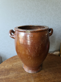 Bruine keulse pot