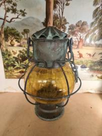 Antiek messing scheepslamp geel glas