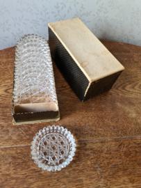 Oude kristallen onderzetters in doosje
