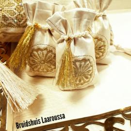 Henna buideltjes ivoor/goud - UITVEROCHT