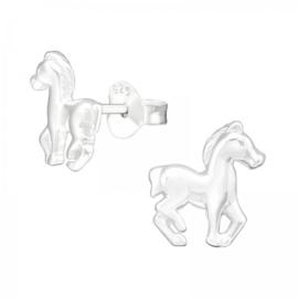 Zilveren kinderoorbellen:  Paard