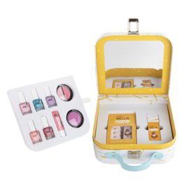 Miss Nella make-up suitcase