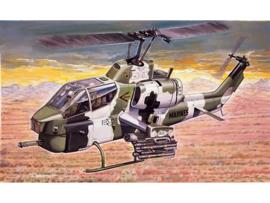 ITALERI 0160 : AH-1W Super Cobra