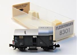 Fleischmann 8301. Sluitwagen goederentrein met binnenverlichting en sluitlicht